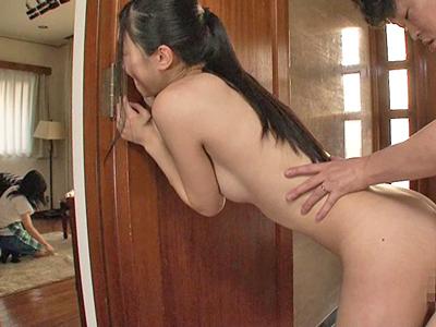 【エロ動画】お嫁さんを貰っても弟が好きすぎるブラコンな姉・古川いおりは嫁にバレないように全身リップで誘惑してスレンダー美乳ボディを晒して近親相姦で寝取り敢行!