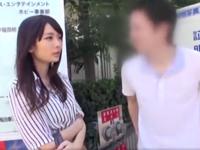 【エロ動画】「素股だけじゃないんですかぁ!?」おバカなJDを騙して生挿入!パイパンマンコをピストンし、ザーメンドピュッ!