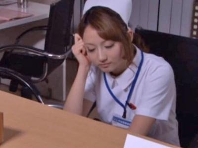 【エロ動画】夜勤中に居眠りしていたら鬼畜な患者に夜這いレイプされてしまったギャル系巨乳ナース…正常位・後背位で好き放題に犯されて恐怖で声を上げる事もできず…