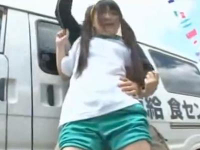 【エロ動画】体育祭で一生懸命頑張っている体操服の巨乳JKに興奮したオッサンがまさかの凌辱レイプを決行!恐怖で逃げる事もできないJKにイマラチオさせて子宮にザーメンを中出し!