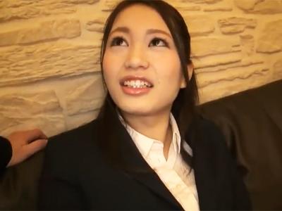 【エロ動画】真面目なOLがナンパ師のテクに陥落!?あっさり股を開いたあとは、チンポの刺激でメスの顔に!