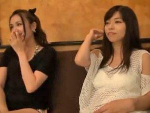 【エロ動画】ビキニの美女×2をナンパしてホテルへGO!あっさり股を開いたので、乳揺れピストン&中出しで乱交してみた!