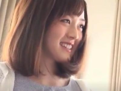 【エロ動画】愛撫されて恥ずかしがってた美少女も、チンポを挿入されたら…乳揺れしながら感じまくって、顔射されてニッコリ