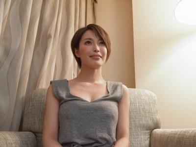 【エロ動画】顔もスタイルも完璧な巨乳スレンダーな人妻が快楽を求めてNTR不倫セックス…嬉しそうに他人棒をフェラチオご奉仕して乳揺れしながら正常位で膣穴を突かれまくり…