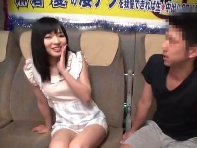 【エロ動画】すぐに手コキとフェラチオで射精させちゃうスレンダー美少女・麻倉憂ちゃん…そんなお堅い彼女の凄テクを耐えたら中出しできるという最高の企画…