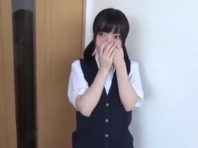 【エロ動画】料理中もちっぱい愛撫してくる変態彼氏に欲情しちゃったロリ系JKが、照れくさそうに感じてしまうハメ撮りパコ!