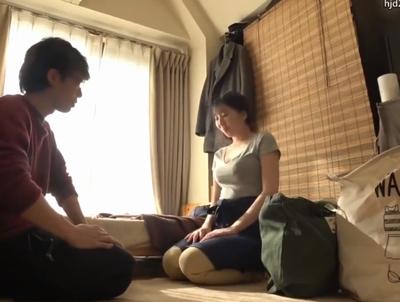 【エロ動画】シモの世話も家事代行の仕事!むちむち巨乳の人妻さんが派遣先の男にフェラチオご奉仕→ねっとりセックスで感じちゃう!