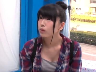 【エロ動画】素人娘がMM号で痙攣ガチイキ!草食系と見せかけた肉食系男子に激しくピストンされ、大声で喘ぎながらイカされる!