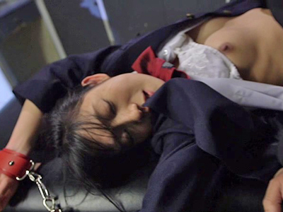【エロ動画】変態オヤジに捕まって媚薬レイプされる美少女JKの捜査官…嫌なはずなのにフェラチオ・イマラチオ後に正常位で犯されまくり中出し射精にイキまくり!