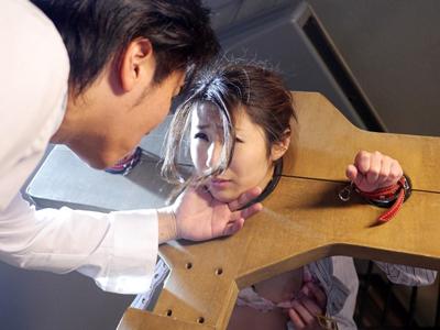 【エロ動画】巨乳熟女・篠田あゆみを拘束してフェラチオさせながらアナルをバイブ責め…最後は正常位でねっとりとしたピストンを行い濃厚ザーメンを中出し種付け…
