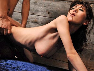 【エロ動画】スレンダー爆乳美女が本能のままに絡み合う濃厚セックス…肉棒をフェラチオで堪能してとてつもない乳揺れを見せながら騎乗位で腰を振って感じまくり…