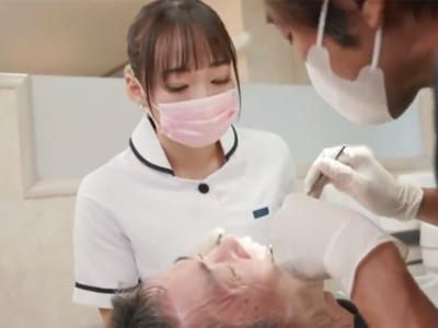 【エロ動画】超美人の巨乳歯科衛生士・蓮美クレアにいきなりチンコを触られてフェラチオスタート…そのまま騎乗位・バックでマンコを突きまくる本格派セックスに…