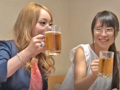 【エロ動画】ヤリマンギャルな友達と相席居酒屋に行ったらセックスする事になった清純なスレンダー娘…抵抗する事もできずフェラチオして中出しを受ける最悪な事態に…