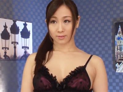 【エロ動画】男の性感帯を全て熟知している変態痴女の美人お姉さん…濃厚なディープキスで舌を絡めながら激しい手コキ&淫語責めでザーメンが大量射精しちゃってます…