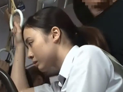 【エロ動画】満員バスに可愛い爆乳女子高生がいたので迷わず痴漢するクズ男…乳首舐め&手マンで理性を奪い後背位ピストンでブランドもののマンコを犯しまくる…!