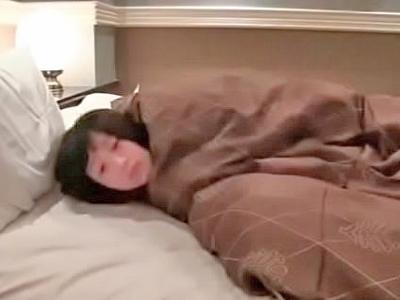 【エロ動画】制服JKをホテルに連れ込んだ男は、おマンコをじっくり弄ってチンポを挿入→ぶっかけすプレイを隠しカメラで盗撮!