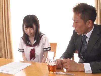 【エロ動画】セーラー服JKはヌレヌレマンコで先生のデカチンを包み込み、奥まで激しくピストンされてうっとり&悶絶!