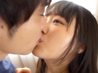 【エロ動画】ロリ顔なのにむちむち巨乳の女の子が発情!男優とのセックスで積極的に腰を振って乳揺れしまくり!