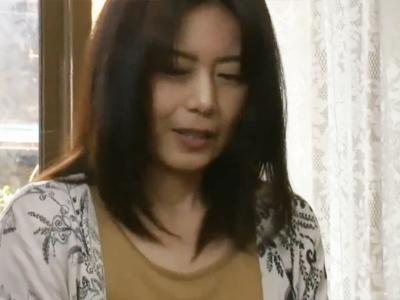 【エロ動画】抱きついたまま喘ぎ声が止まらない!?陰毛のもっさり生えた巨乳熟女(三浦恵理子)のマンコがエロすぎる!