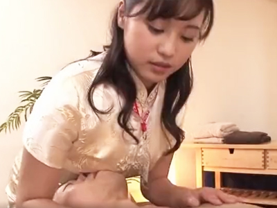 【エロ動画】チャイナドレス姿のW痴女にチンポをシコシコ&ペロペロされたら…ザーメンが止まらなくなってしまいそうだ!