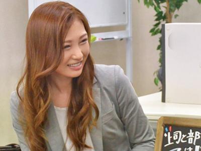 【エロ動画】誰もいないオフィスで憧れの女上司とラップキス!最初は乗り気じゃなかったのにフェラチオ&中出しパコで禁断の関係に…