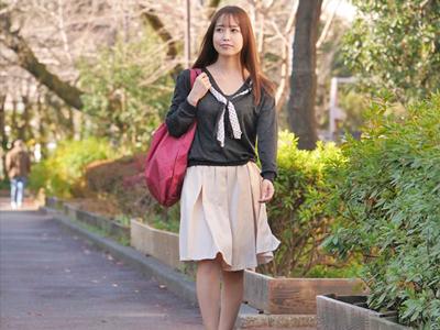 【エロ動画】夫の知り合いの税理士と寝取られ不倫しちゃう巨乳美人妻・篠田ゆう…美味しそうに他人棒をフェラチオでしゃぶって激しいバックピストンでマンコをビクンビクン…