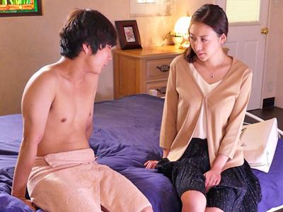 【エロ動画】他人棒で堕ちた巨乳人妻(松下紗栄子)は普通のプレイでは満足できず、中出し乱交ファックで寝取られる!