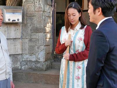 【エロ動画】エロいご奉仕に耐える人妻家政婦(松下紗栄子)だったが、気づけばNTRセックスの快感に溺れてしまって…