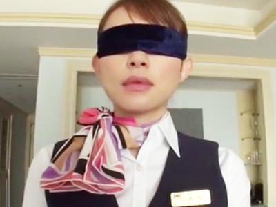 【エロ動画】ガチCAが性的ご奉仕してくれるサービスを発見!チンポを見ると濃厚フェラでご奉仕してくれて、乳揺れしちゃう本番もOK!
