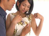 【エロ動画】清楚な美少女がAVで痴態を披露!陰毛のたっぷり生えたおマンコを激しくピストンされ、美乳を揺らして感じまくる濃厚セックス!