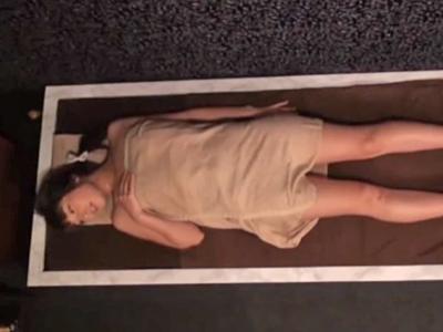 【エロ動画】エステ好きな人妻を襲う媚薬とヌルテカマッサージ!絶叫しながらチンポを挿入されたら、激しいピストンで寝取られちゃった!