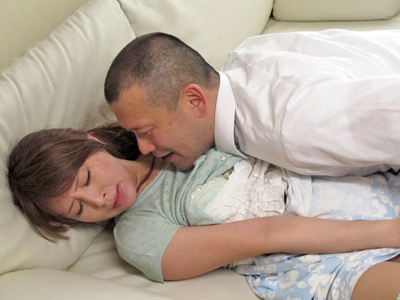 【エロ動画】「いや、やめて!」強引にレイプされた人妻(希崎ジェシカ)は、旦那に隠れたNTRファックで快感堕ち!