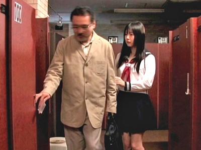 【エロ動画】JK娘を肉便器化!知らない男に犯されることに興奮する父親は、娘マンコに中出しさせてご満悦