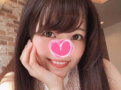 【エロ動画】元子役の美少女が前貼りパイパンを大胆披露!ニーソ×メイド服を着用し、チュパ音MAXのフェラチオご奉仕してくれる!